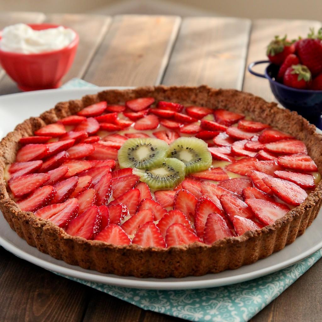 Strawberry Lemon Curd Tart with Gluten-Free Almond Crust - Snixy ...