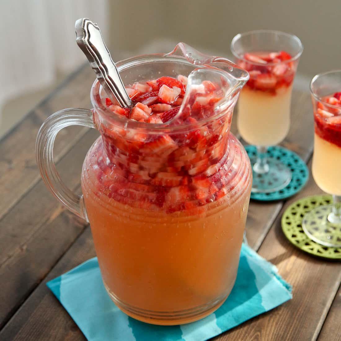 Fresh Strawberry Ginger Lemonade