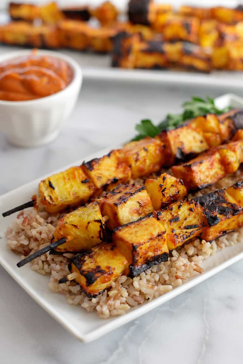 Grilled pineapple tofu skewers with spicy mango BBQ sauce [giveaway ...
