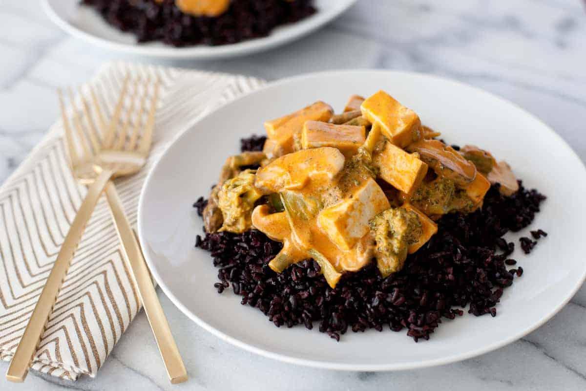 Tofu Thai curry and rice