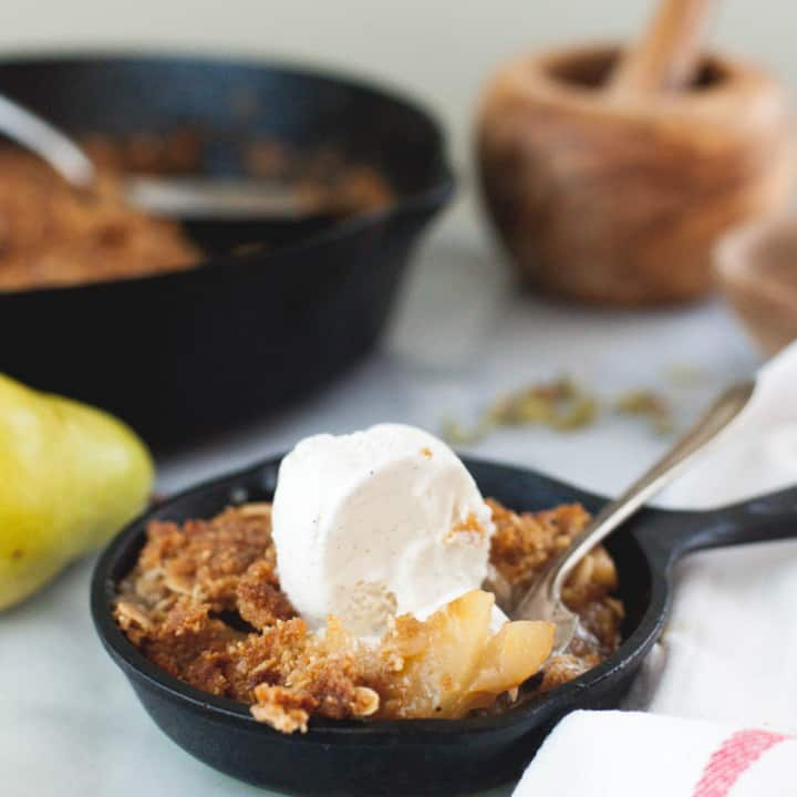 Cardamom Pear Crisp with Oats