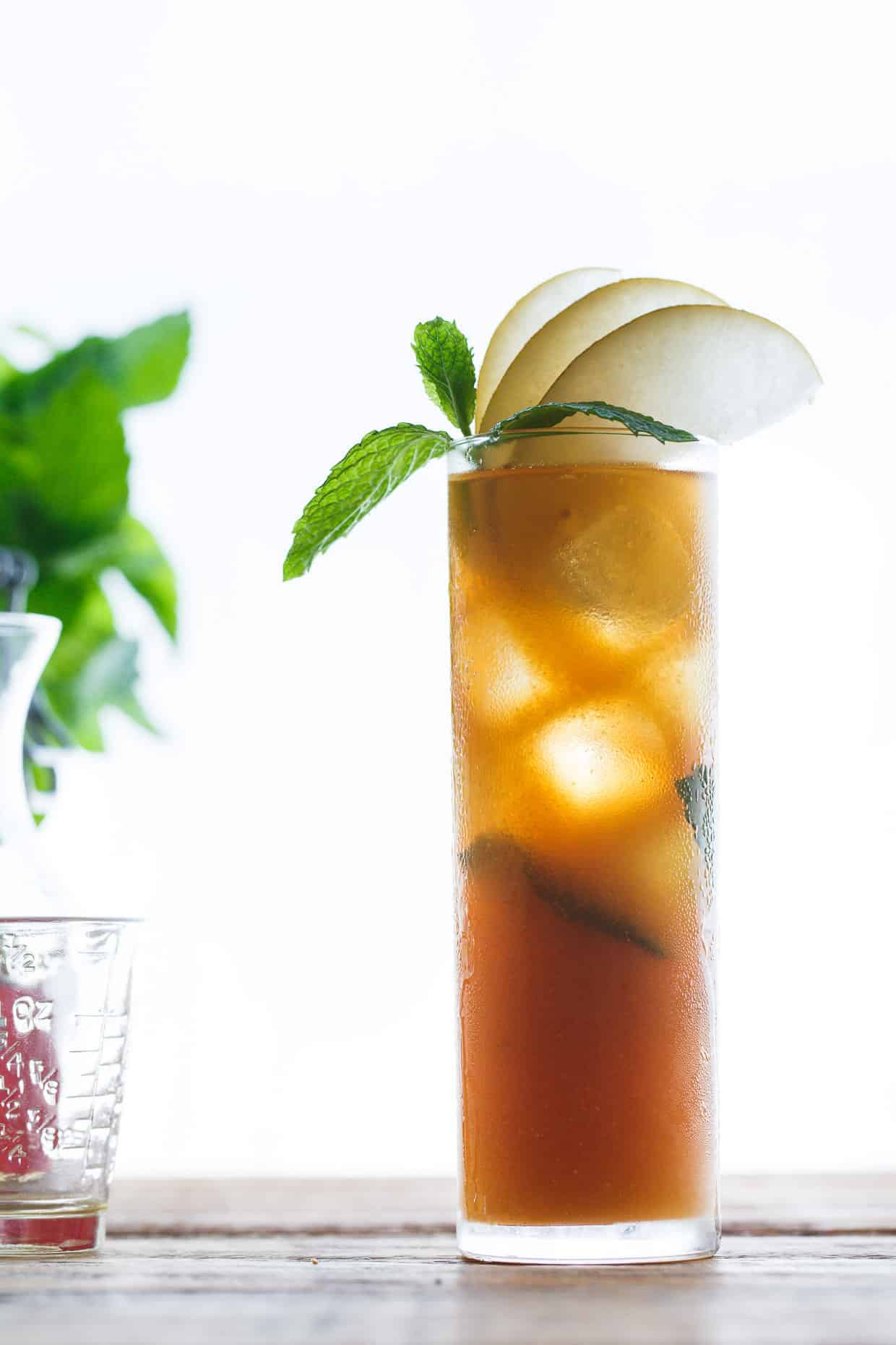 Sparkling Asian Pear and Mint Iced Tea | Snixy Kitchen