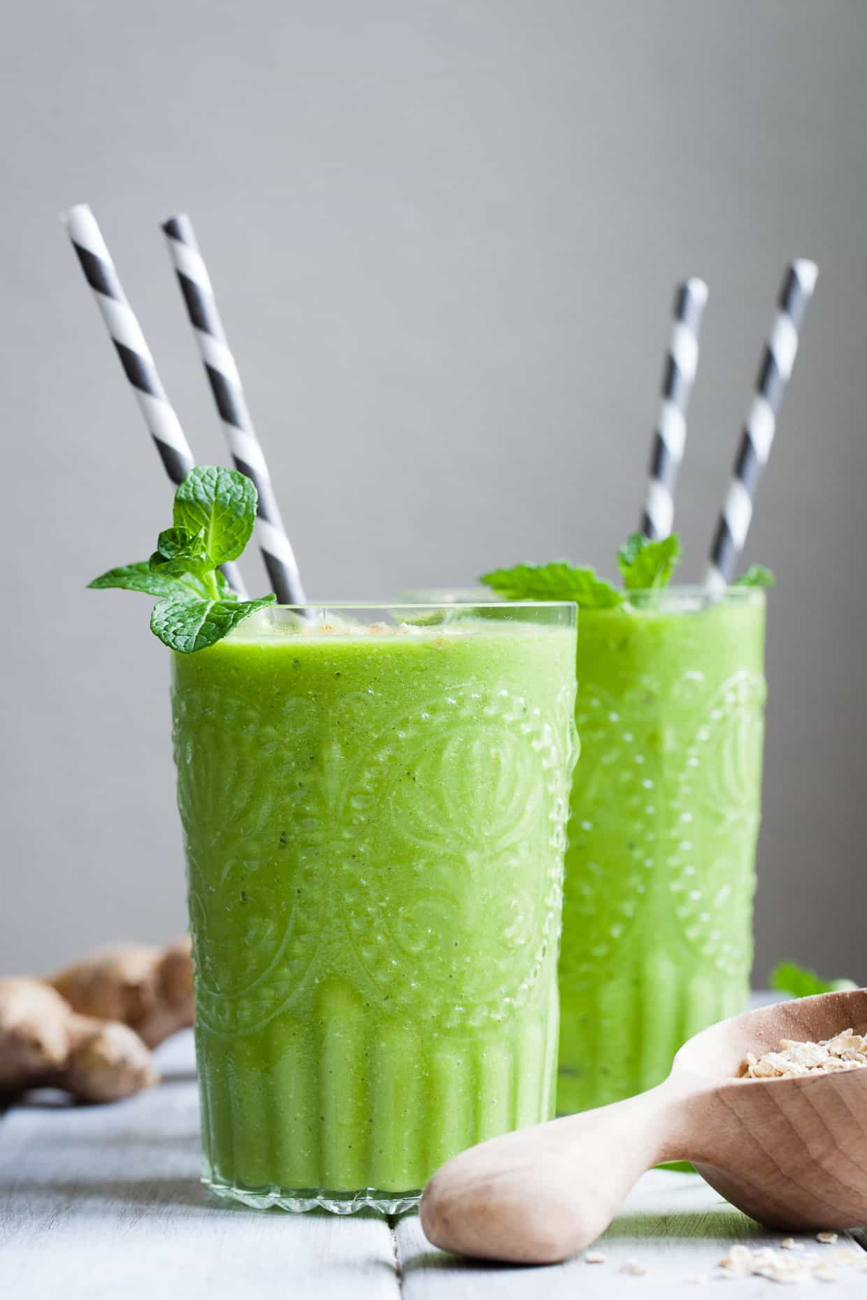 Sweet Zing Ginger Oatmeal Green Smoothie
