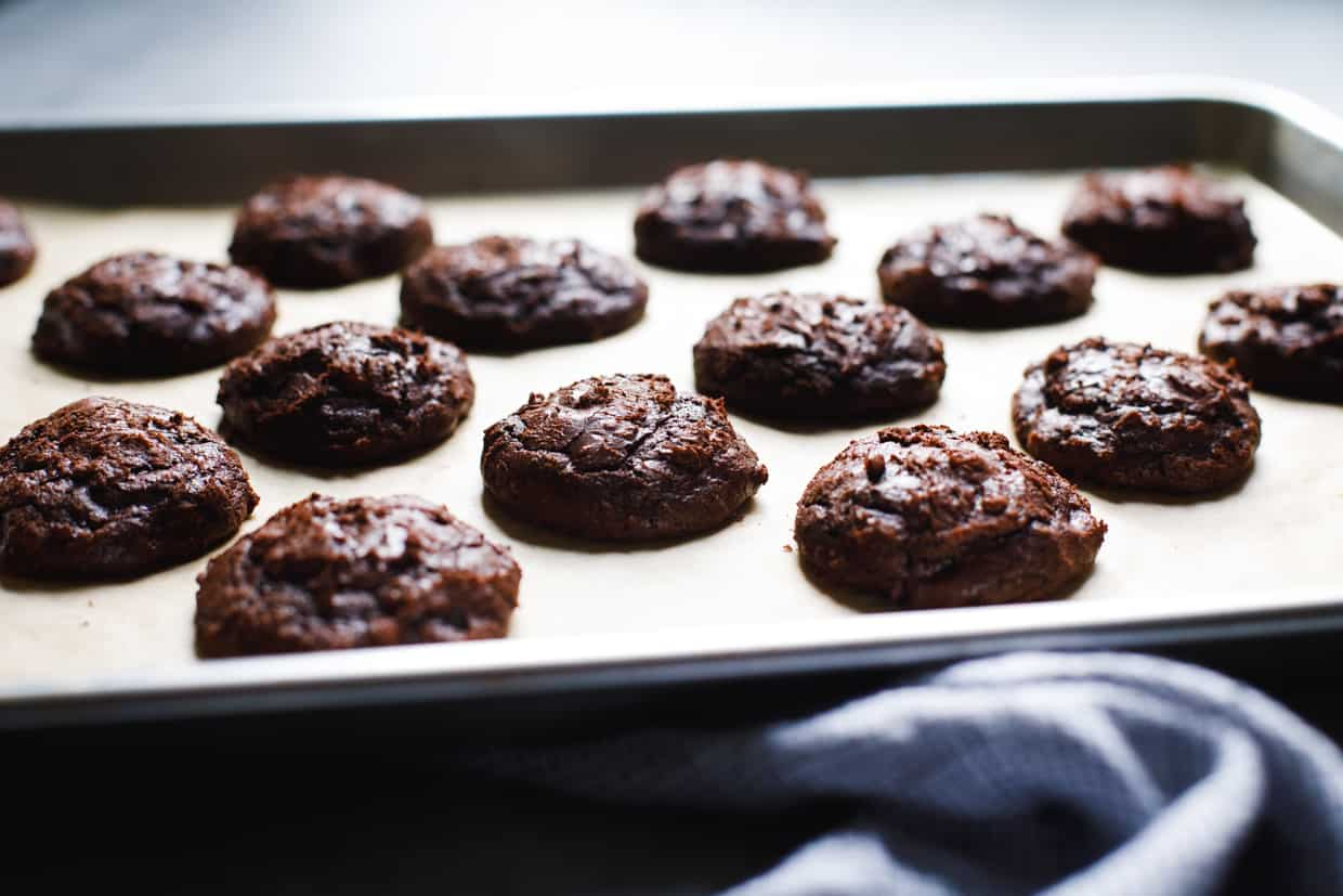 Flourless Peppermint Chocolate Marshmallow Cookies