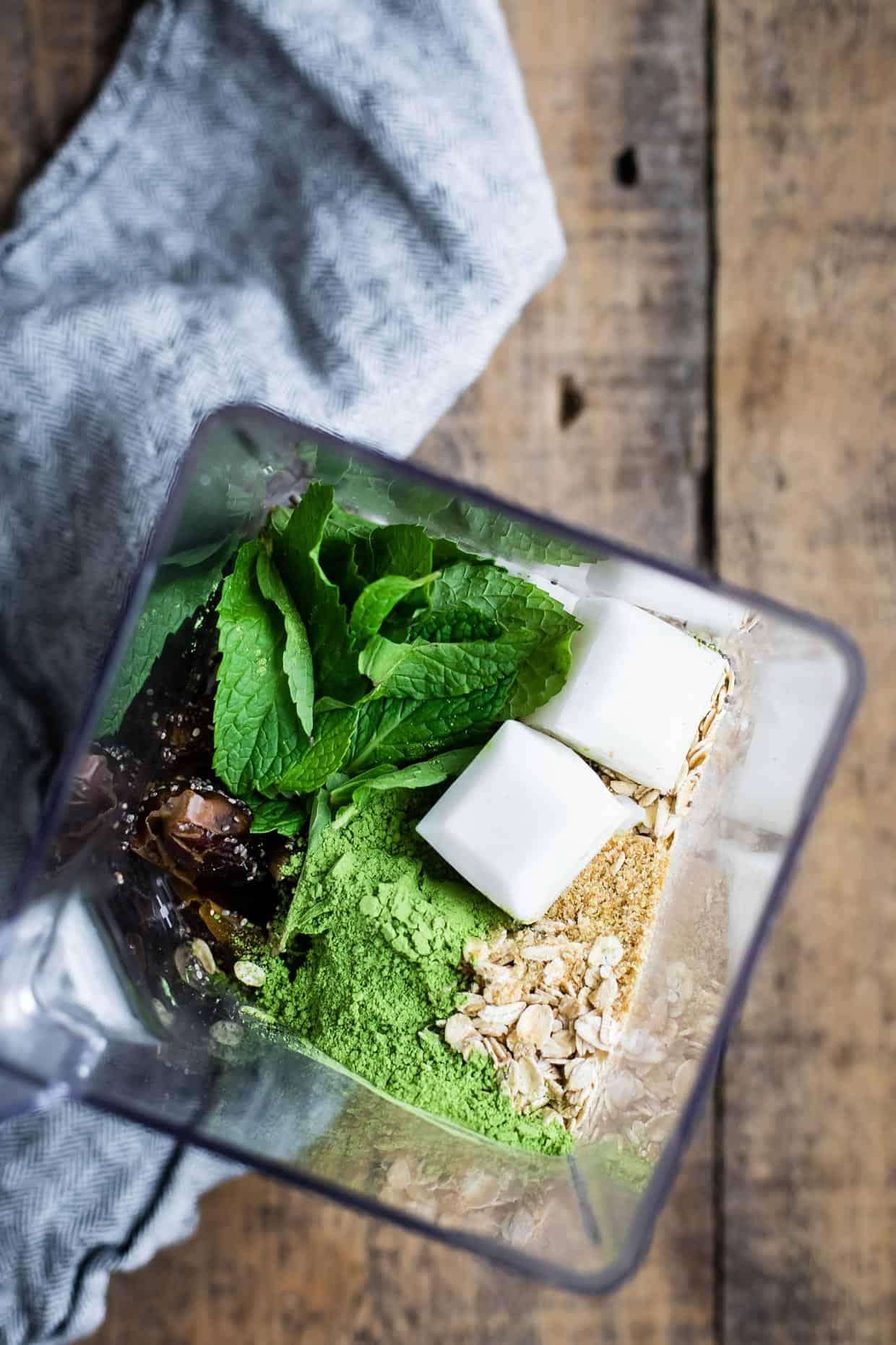 Morning Mint Matcha Milkshake (Vegan)