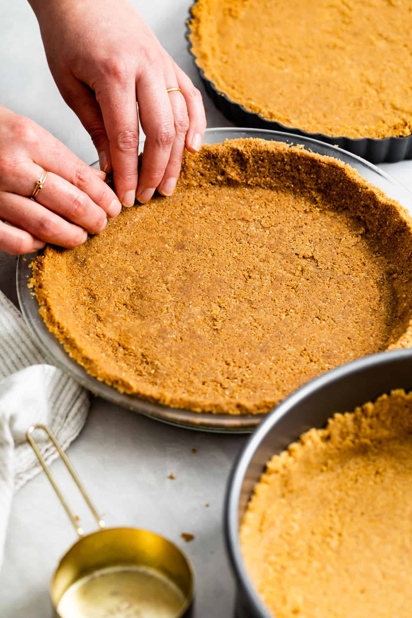 Gluten-Free Graham Cracker Cheesecake Crust in Pie Pan