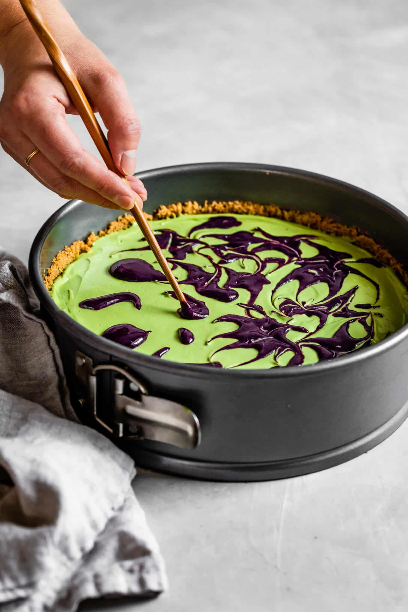 How to make swirls in a cheesecake